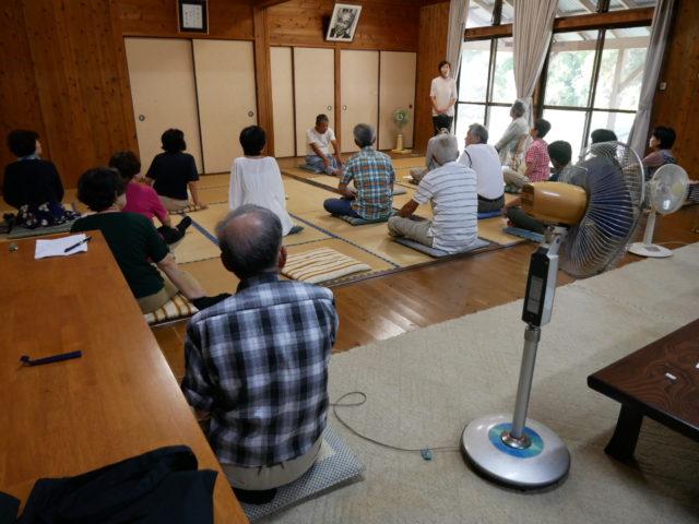 食養庵での瞑想