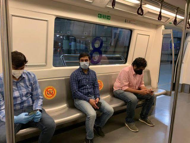 インド 間引かれた座席