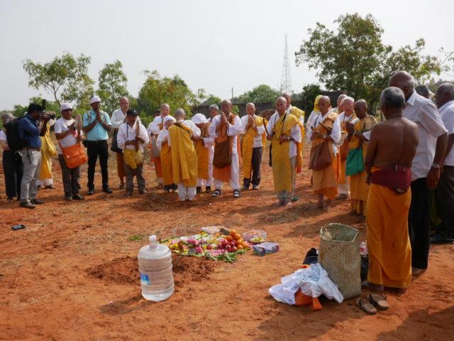 カニャクマリ仏舎利塔宝土地鎮祭