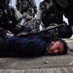 香港警察の暴力行為